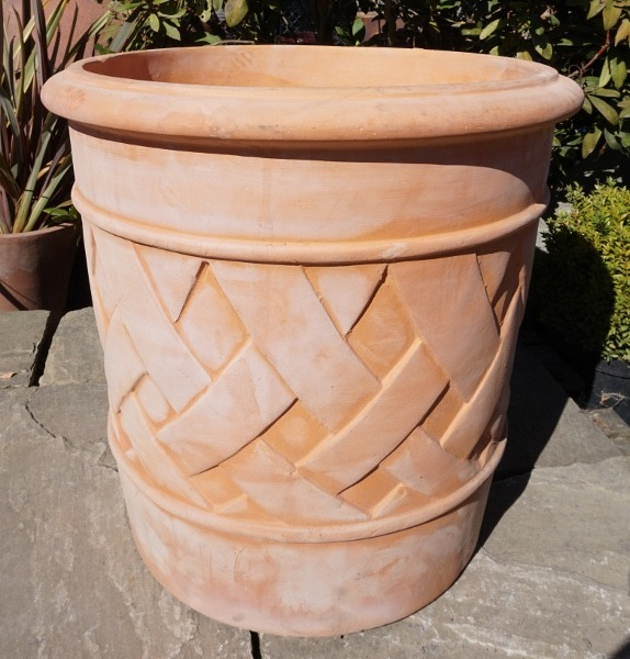 Tuscan Giant Lattice Pot Medium-0